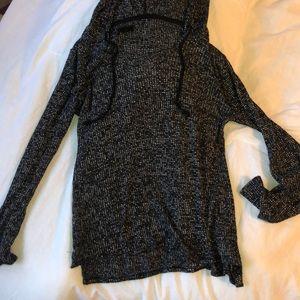 Black and White thin Aeropostale sweatshirt